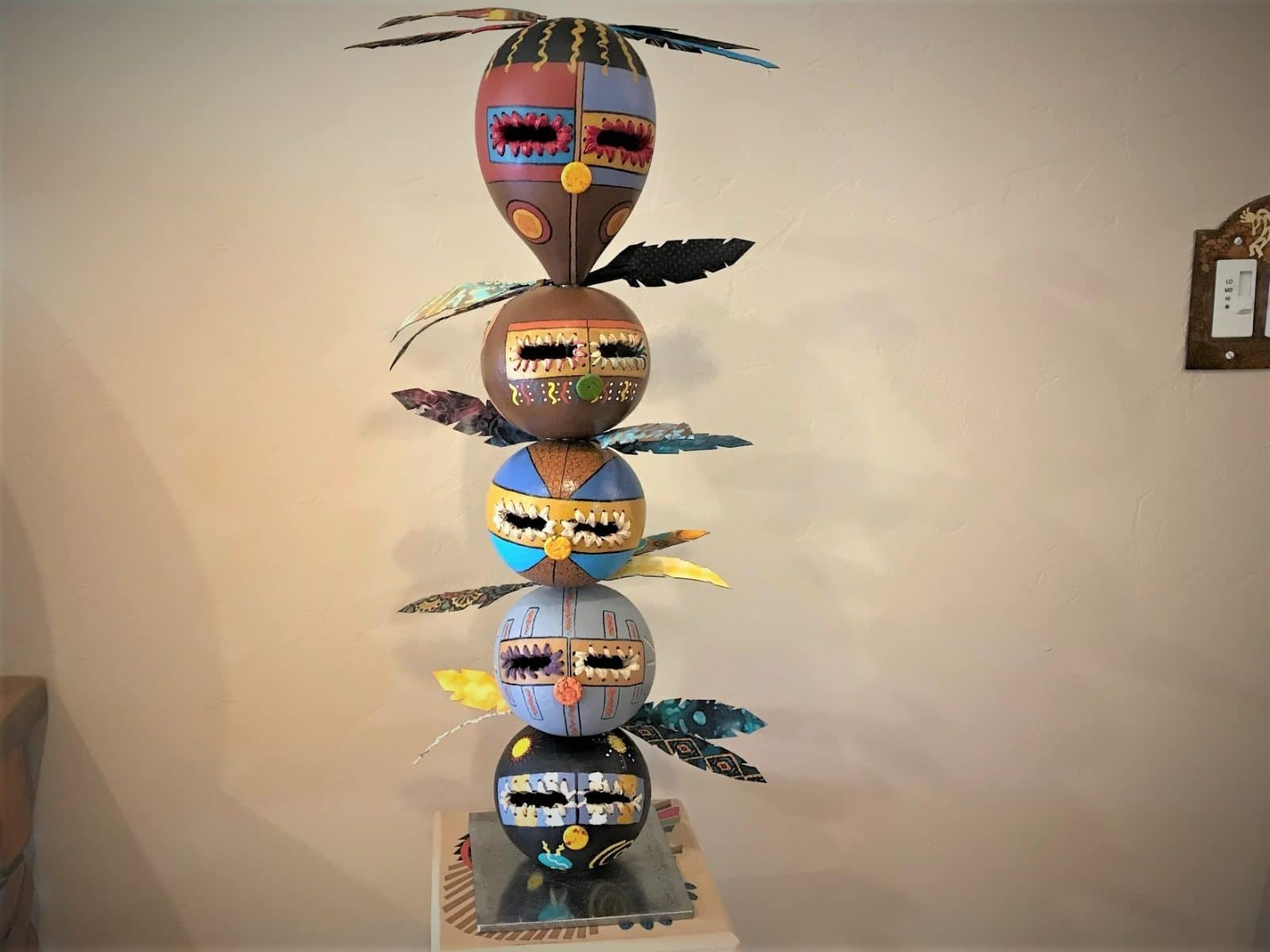 Totem1_Front-